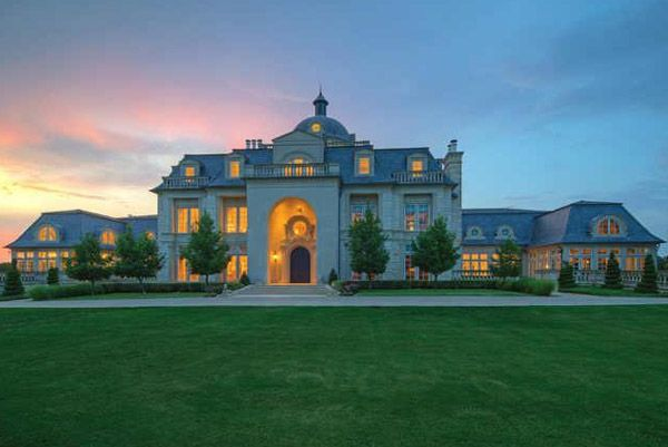 Photos top 10 mega mansions of the filthy rich mother jones for Super mega mansions