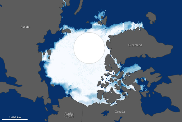 2012 Arctic sea ice minimum (top). 1984 Arctic sea ice minimum (bottom): NASA Earth Observatory