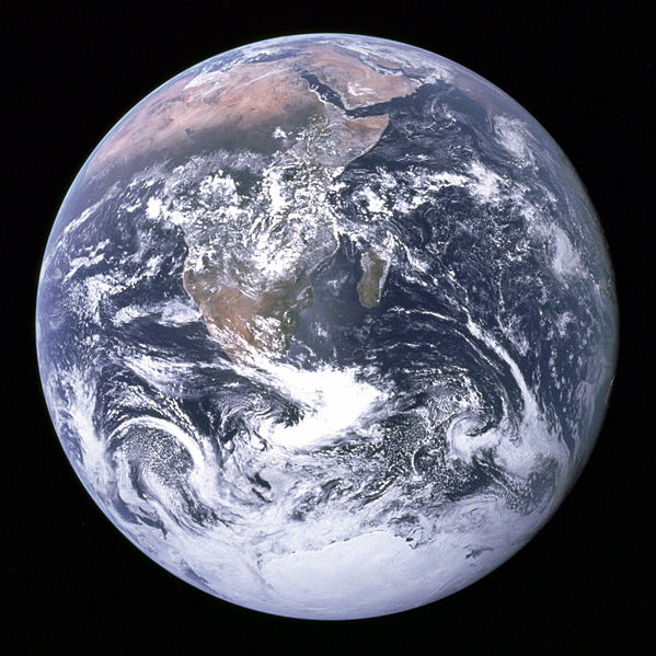 599px-The_Earth_seen_from_Apollo_17.jpg