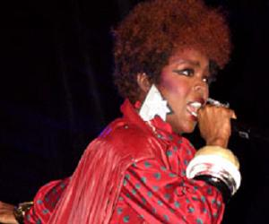 mojo-photo-laurynhill.jpg