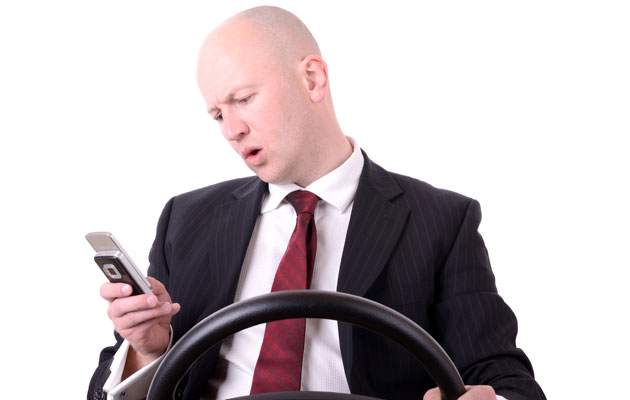 Photo : Texting While Driving Essays Images