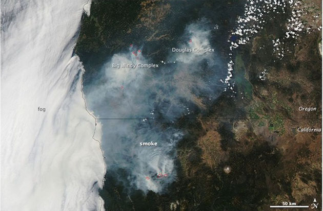 Southern Oregon Wildfire Map.Clouds Of Wildfire Smoke Are Choking Southern Oregon Mother Jones