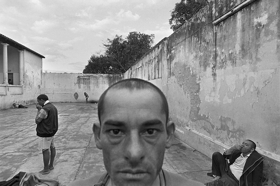 the popularity of american photographer eugene richards Eugene richards's seventh book, cocaine true, cocaine blue, reaffirms his position as the premier chronicler of the dark side of american life ˜ he is the true heir to the mantle of the legendary w eugene smith.