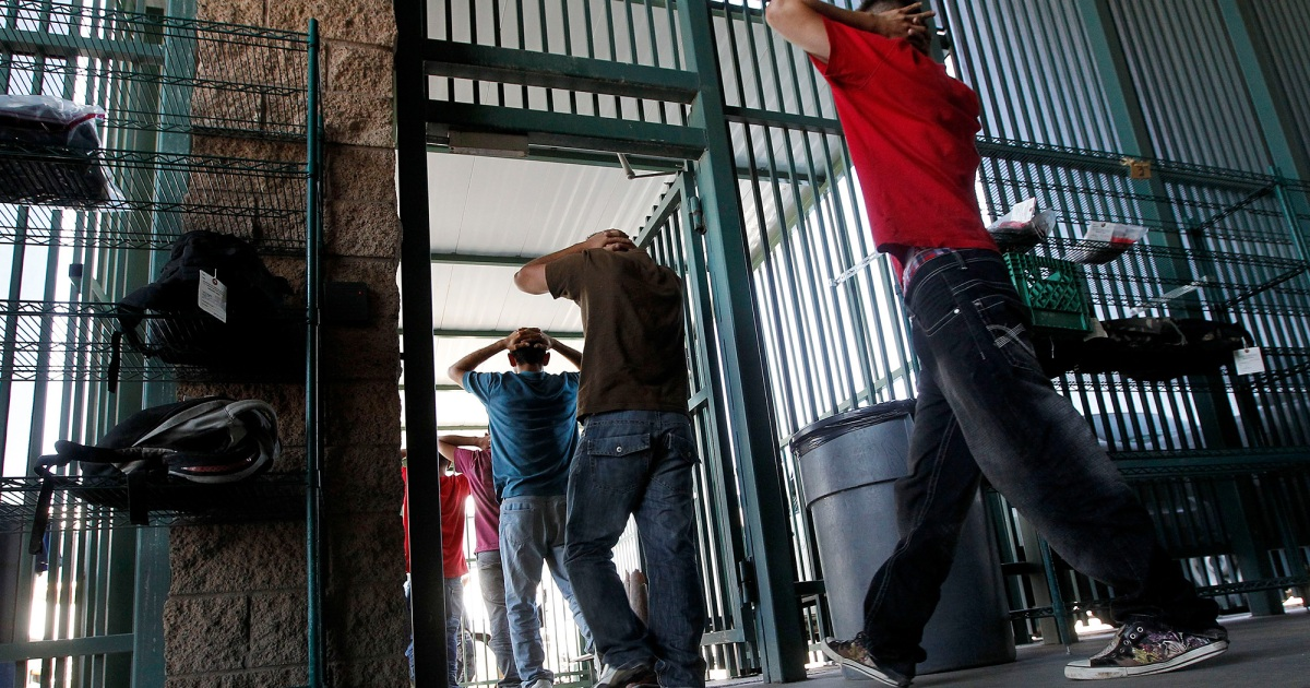 """A Day in the """"Assembly-Line"""" Court That Prosecutes 70 Border"""