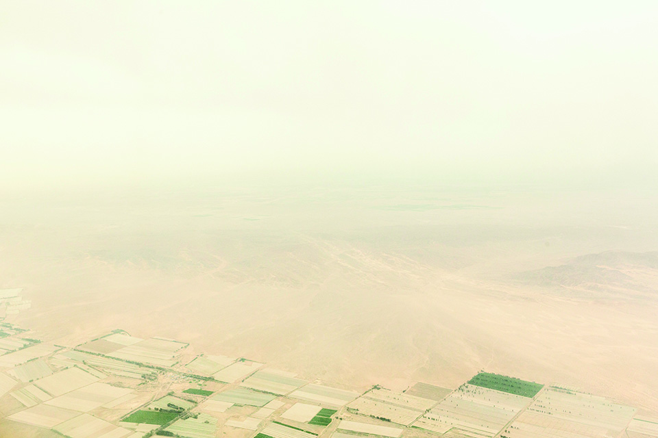 China's Crazy Plan to Keep Sand From Swallowing the World