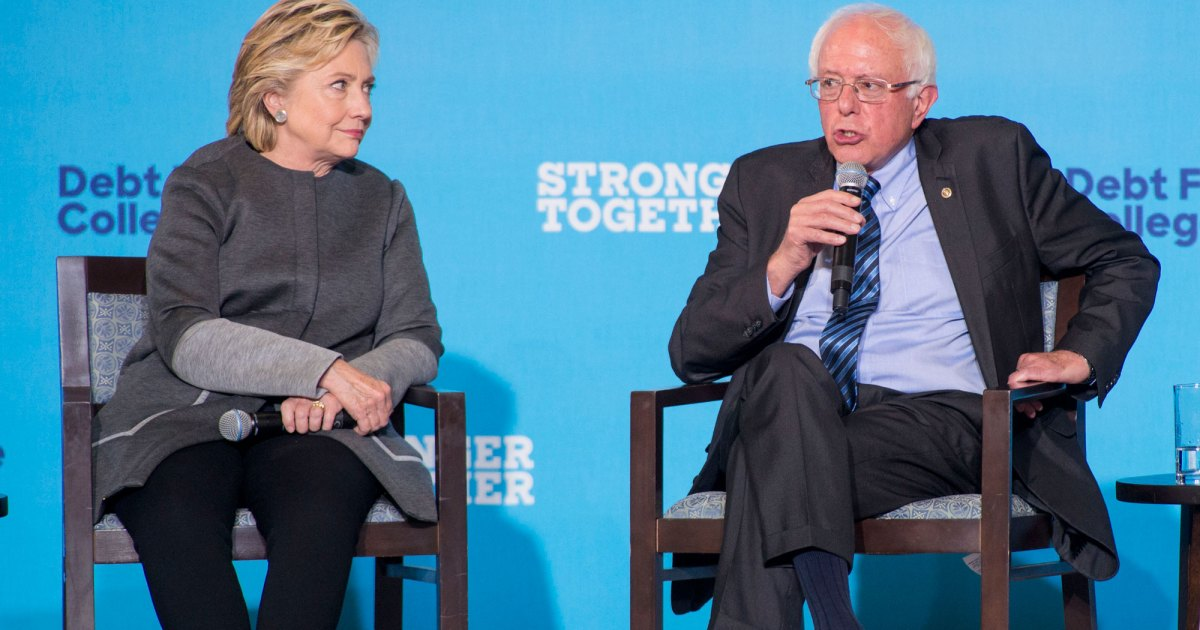 photo image Hillary Clinton and Bernie Sanders Actually Kind of Agree on the Future of the Democratic Party