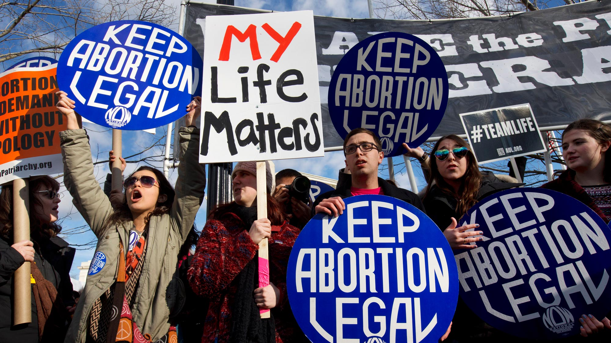 Judge Orders Trump Administration to Allow Undocumented Teen to Obtain Abortion