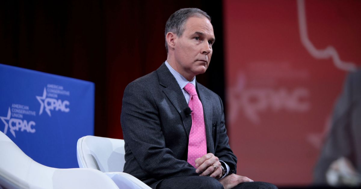 photo image Federal Watchdog Says Scott Pruitt's $43,000 Phone Booth Violated the Law