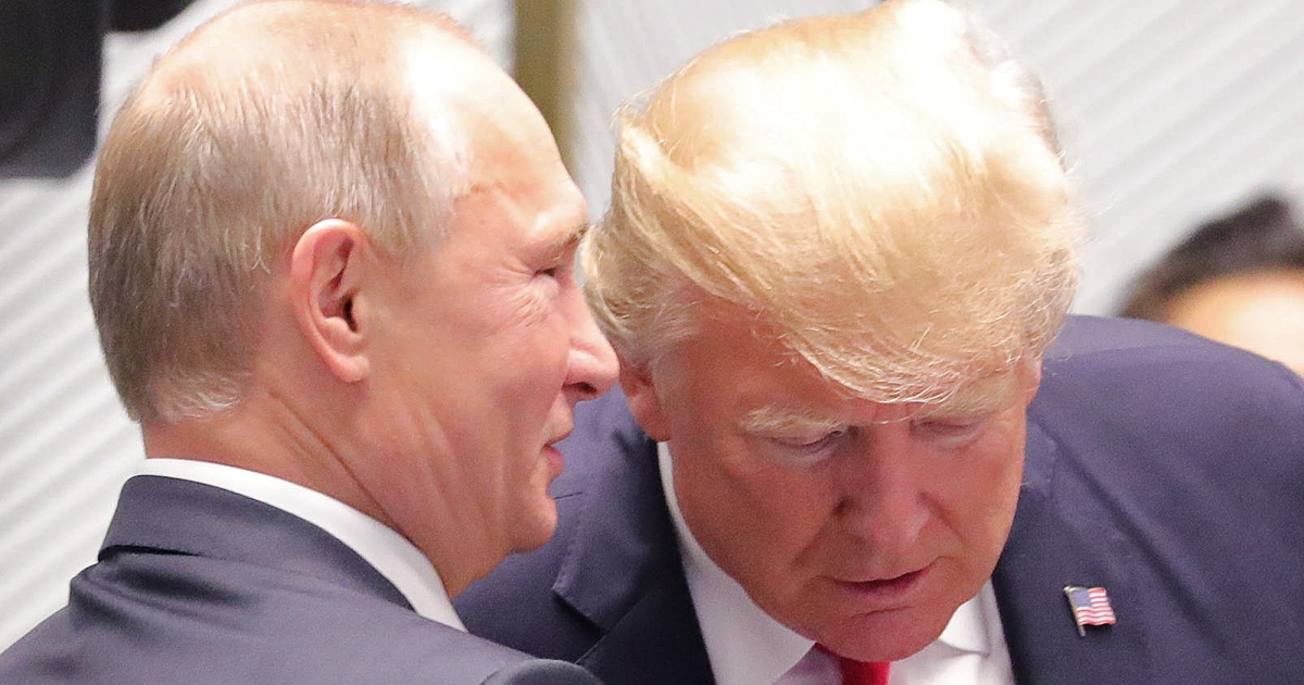 "photo image New Documents: Trump Made a ""Secret"" Request for a Meeting with Putin in 2013"