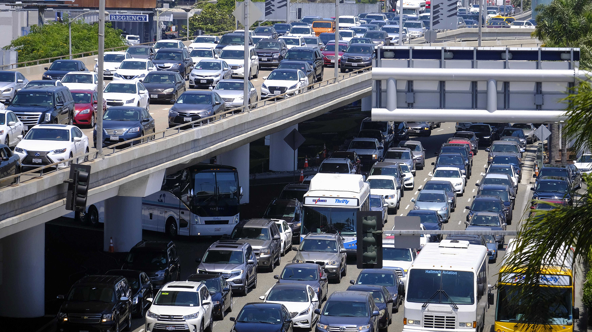 Millions Of Americans Hitting The Roads, Skies For Memorial Day Weekend