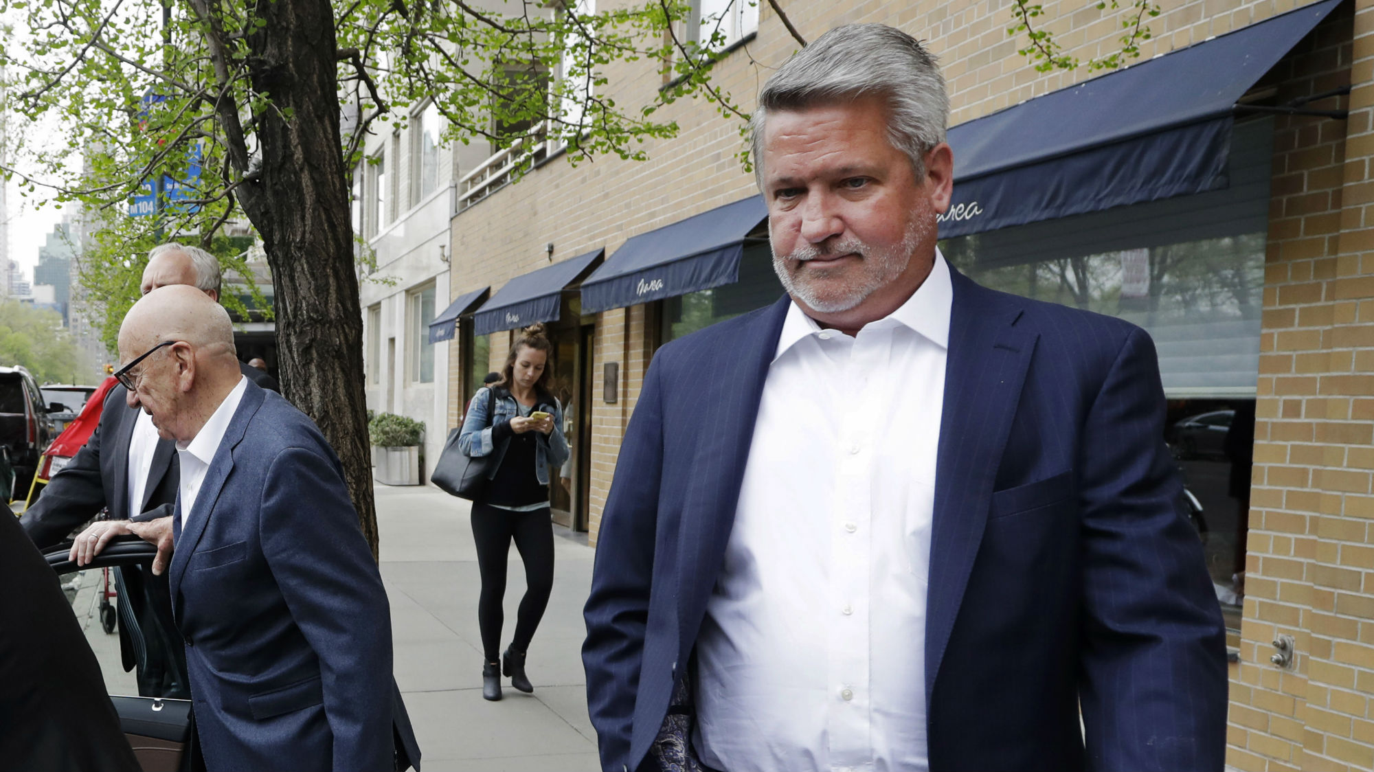 Former Fox News executive Bill Shine joins White House staff