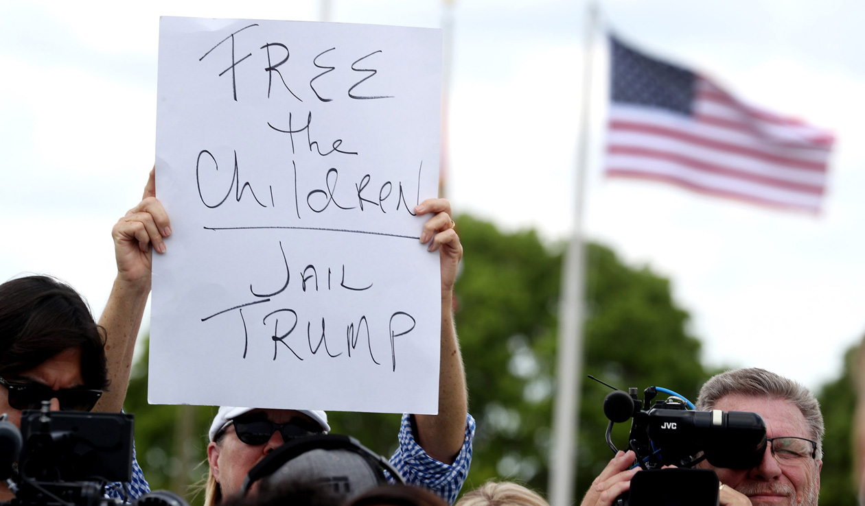 Confusion at USA  border after Trump's order to stop family separations