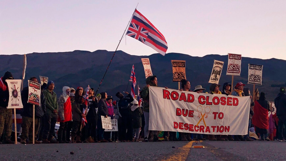 "966a685a6e37 Native Hawaiians Protesting Construction on a Sacred Mountain Prepare ""For  the Long Haul"""