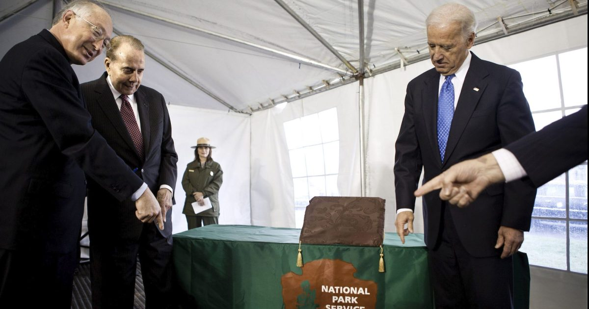 Biden has weak link on energy and ethics—an ex-Obama official with deep fossil fuel ties