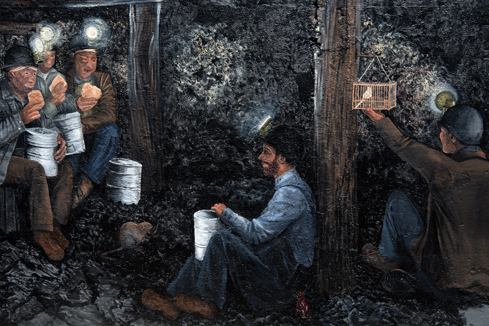 mother jones speaks to striking coal In the american songbag, carl sandburg suggests that the she in she'll be coming 'round the mountain references mother jones and her travels to appalachian mountain coal-mining camps promoting .