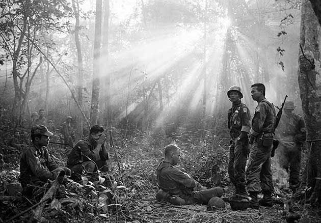 Iconic And Unseen War Photos From Vietnam And Iraq Mother Jones