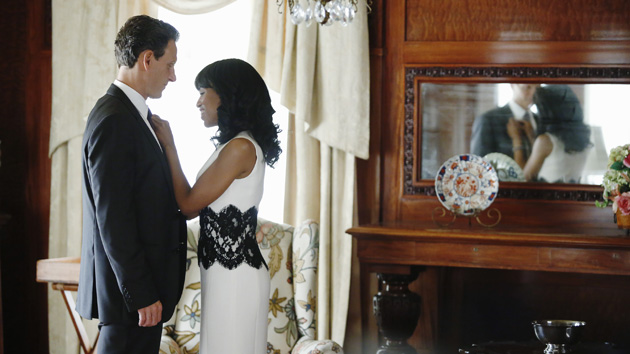 Tony Goldwyn as President Fitzgerald Grant and Kerry Washington as Olivia Pope