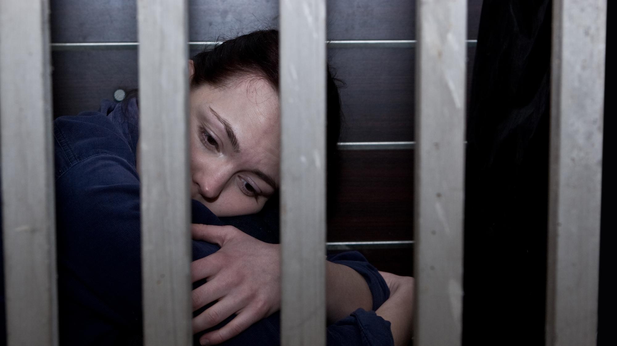 Секс в тюремной камере Смотреть бесплатно онлайн порно