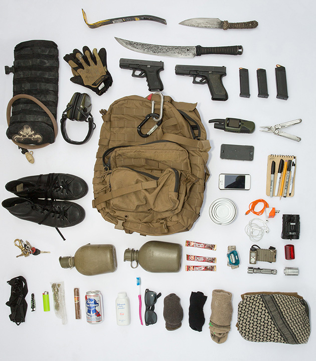 Mm S Bag Contains Several Weapons And Tools Three Pairs Of Socks Waterproof Paper