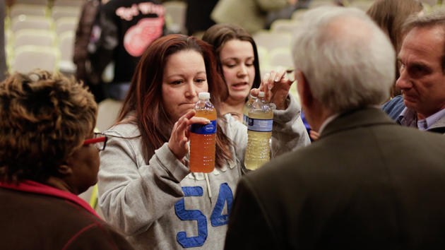 While Lead Flowed Through the Pipes, Flint Residents Paid