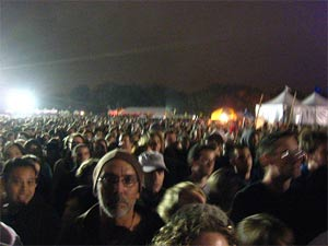 mojo-photo-outsidelandscrowd2.jpg