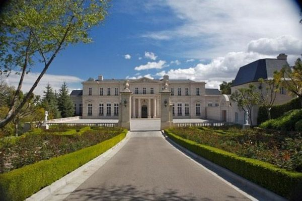 Photos top 10 mega mansions of the filthy rich mother jones for Beverly hill mansions for sale