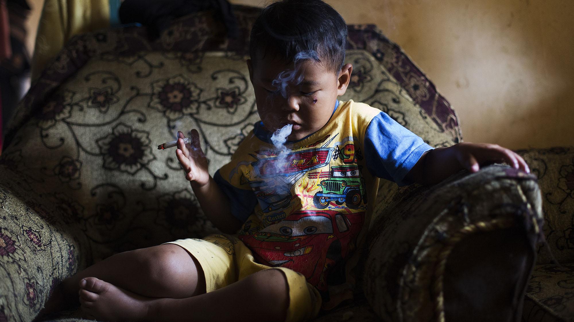 Marlboro Boys: Indonesia's Youngest Smokers Light Up